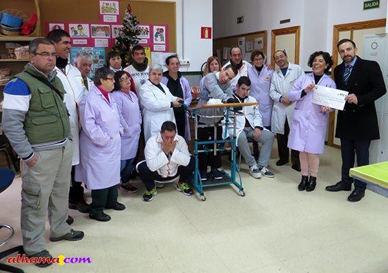 Caja Rural dona 400 euros para la compra de un ordenador al Centro Ocupacional