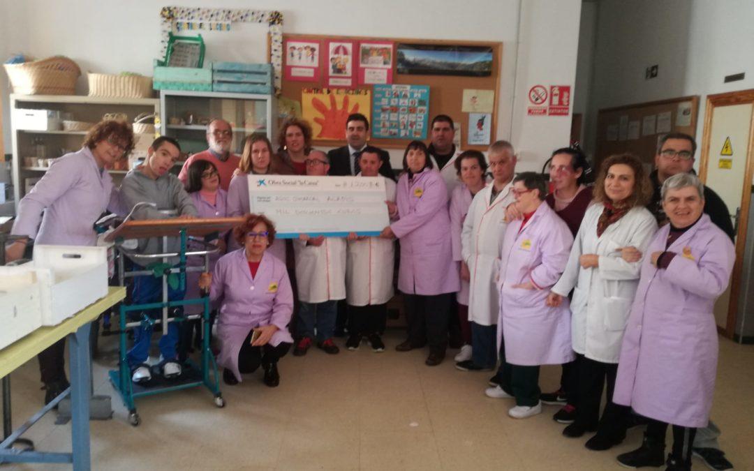 La Obra Social «La Caixa» dona 1200€ a la Asociación Comarcal «ACADIS»