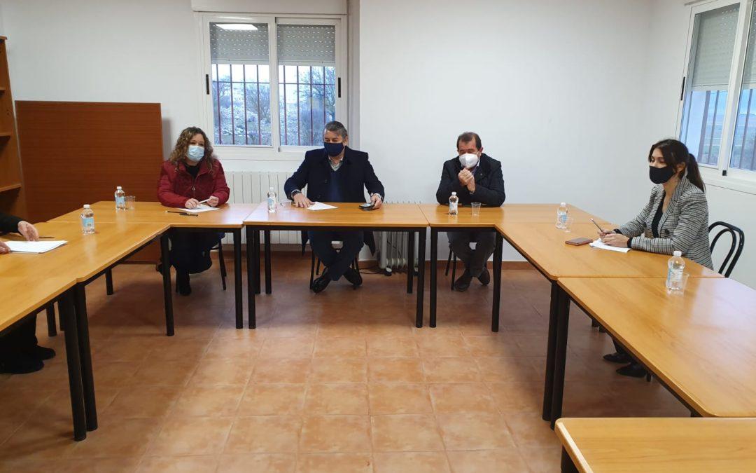 Reunión de la Mancomunidad con el Viceconsejero de Presidencia y la directora de políticas migratorias de la Junta de Andalucía para reclamar ayudas para la Comarcar para los servicios de Inmigración.
